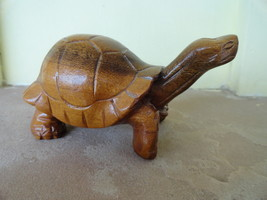 Galopagus 1990 cruz signed wooden carving  12  thumb200
