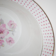 Vintage Homer Laughlin Mary Anne 9 Inch Vegetable Bowl Pink Floral Diamonds - $9.95