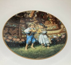 """Knowles Collector Plate Vtg 1992 Hansel and Gretel 8 1/2""""Across Fairy Tales - $11.83"""