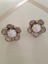 Vintage White Acrylic Gold Tone Rhinestone Flower Fashion Clip On Earrings - $25.00