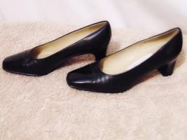 Etienne Aigner Strada Pumps Heels Size 5 1/2 M Black Cap Toe Chunky Heel Shoes - $29.00