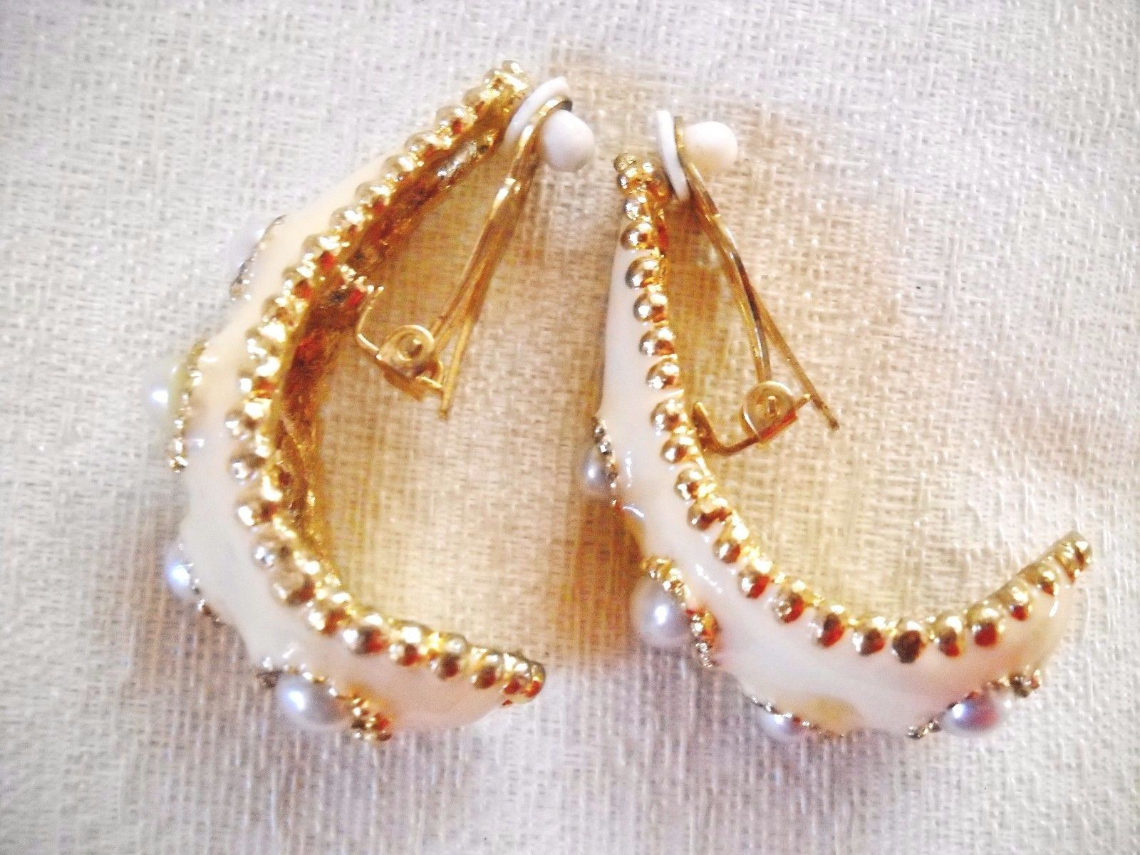Primary image for LFS LG FAUX PEARL STUDDED CURVED CREAM COLOR ENAMEL DROP-DANGLE CLIP-ONS