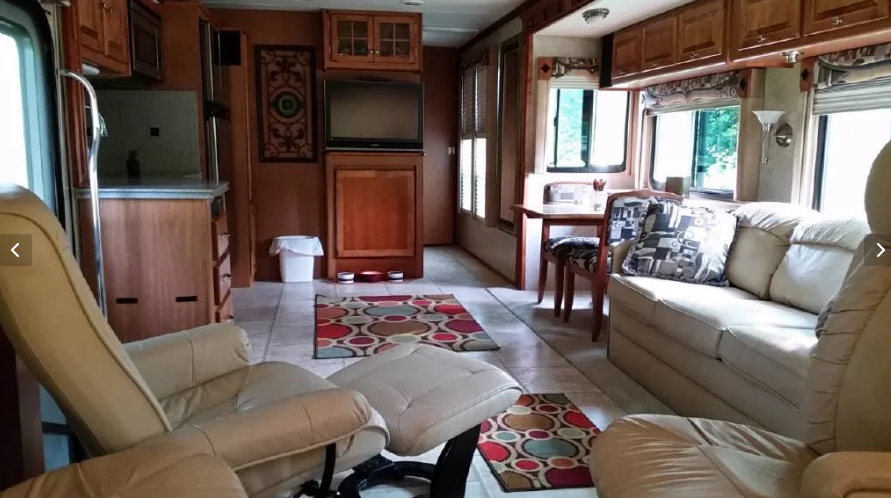 2008 Tiffin Motorhomes 37QDB Class A For Sale In Bloomington, IN 47403