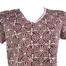 Cherokee Tapa Pattern Small Brown Pink White Scrub Top - $15.56