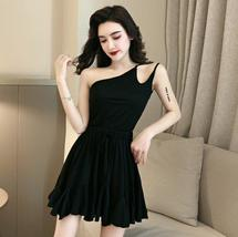 Solid color sexy off-the-shoulder personality unilateral sling skater dress image 4