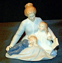 A Mother's Touch Figurine AA-191982  Vintage image 2