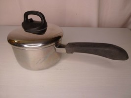 Revere Ware 1.5 Qt Sauce Pan -- Tri Ply Bottom - Steam Release Lid -- Clinton IL - $38.95