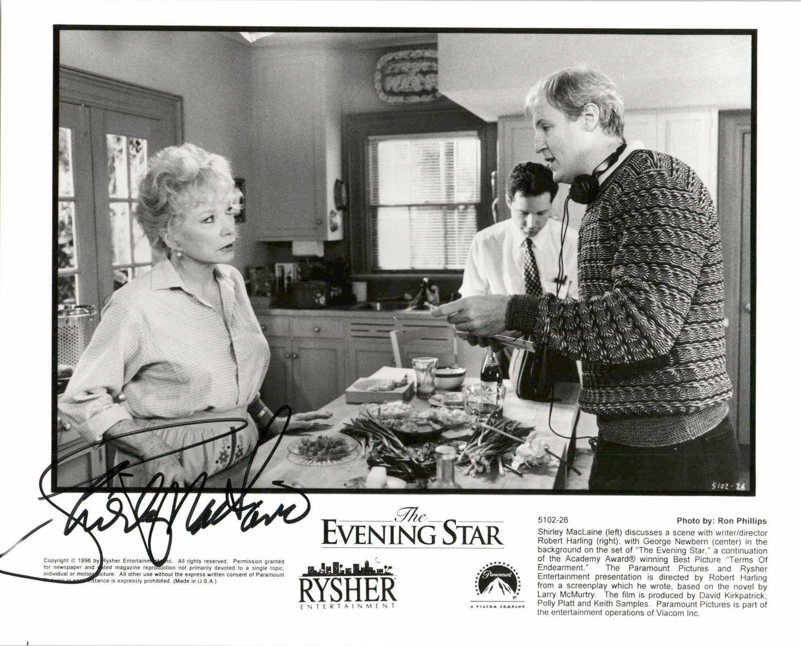 Primary image for Shirley MacLaine Signed Autographed Glossy 8x10 Photo