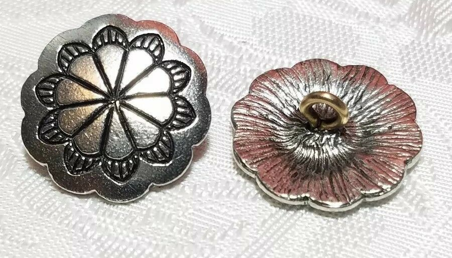 DECORATIVE BUTTON With SCALLOPED EDGE FINE PEWTER BUTTON 19x19x8mm; Hole 2.4mm