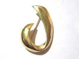 LETTER J INITIAL GOLD TONE FANCY STYLE PIN DESIGNER SIGNED MONET - $19.00