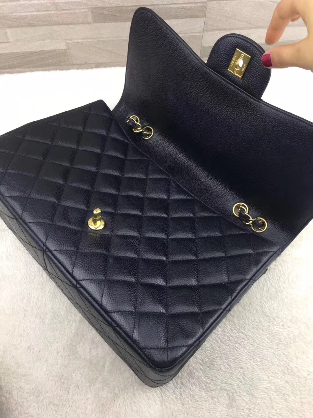 AUTHENTIC CHANEL BLACK QUILTED CAVIAR JUMBO CLASSIC FLAP BAG GOLDTONE HARDWARE