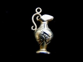 VINTAGE ESTATE .900 STERLING SILVER SPARTAN ON PITCHER CHARM 1.3g E1508 - $4.99