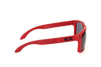 Nuovo Oakley B1B Collezione Holbrook Opaca Rosso con / Grigio OO9102-83