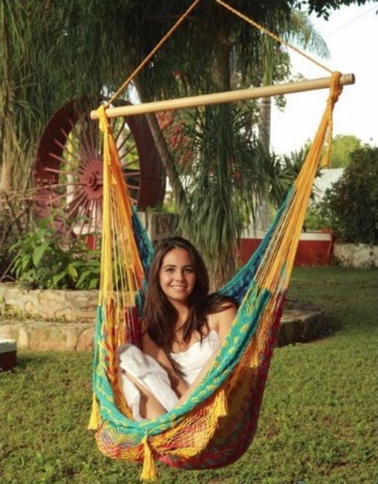 Sunnydaze Extra Large Mayan Chair Hammock With Wood Bar