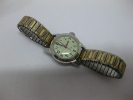 Vintage Bulova Caravelle N2 Ladies Gold Tone Watch Fresh Battery - $29.69