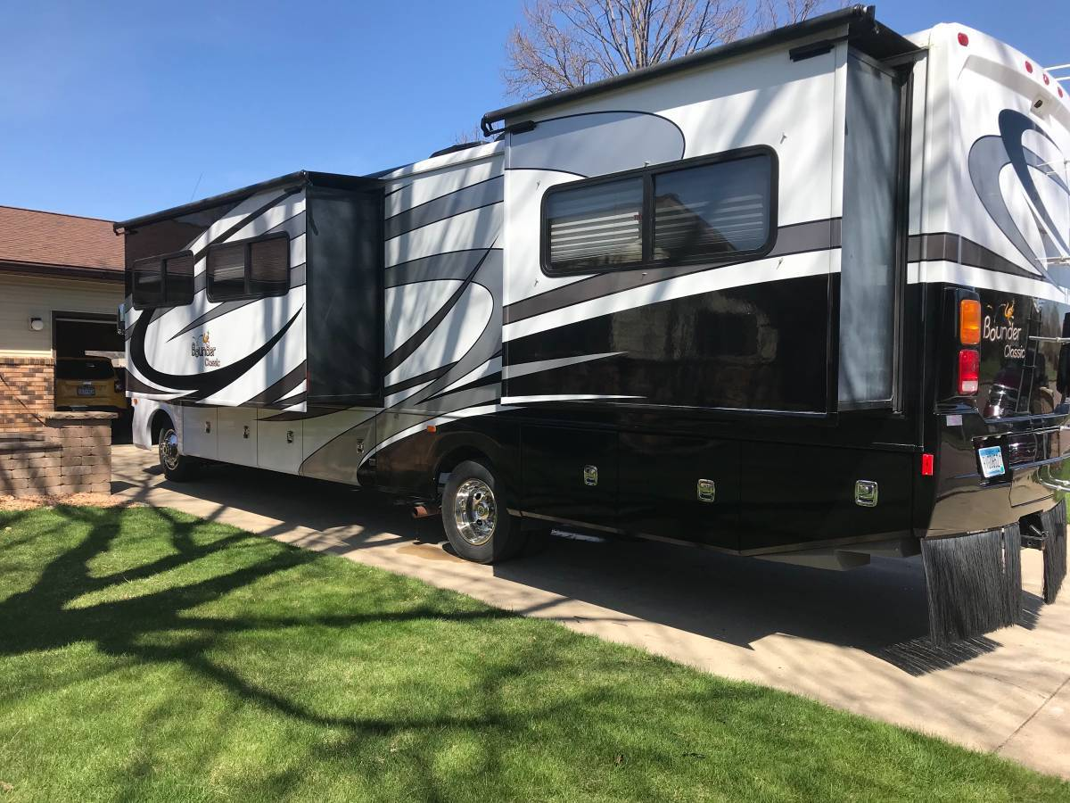 2013 Fleetwood Bounder Classic 34B For Sale In Redwood Falls, MN 56283