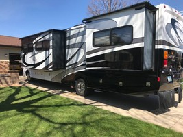 2013 Fleetwood Bounder Classic 34B For Sale In Redwood Falls, MN 56283 image 3