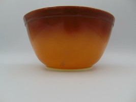 """Pyrex Old Orchard Brown Ombre 7"""" Medium 1.5 Quart Bowl - $28.05"""