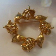 Vintage Sarah Coventry Gold-tone Floral Brooch - $22.76