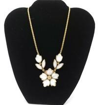 Crown Trifari White Milk Poured Glass Flower Gold Tone Choker Necklace Vintage - $89.09