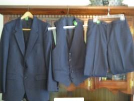 YVES SAINT LAURENT3 Pc SUIT   Coat/Vest (40R), & Pants 30 x 31  Blue Pi... - $98.99