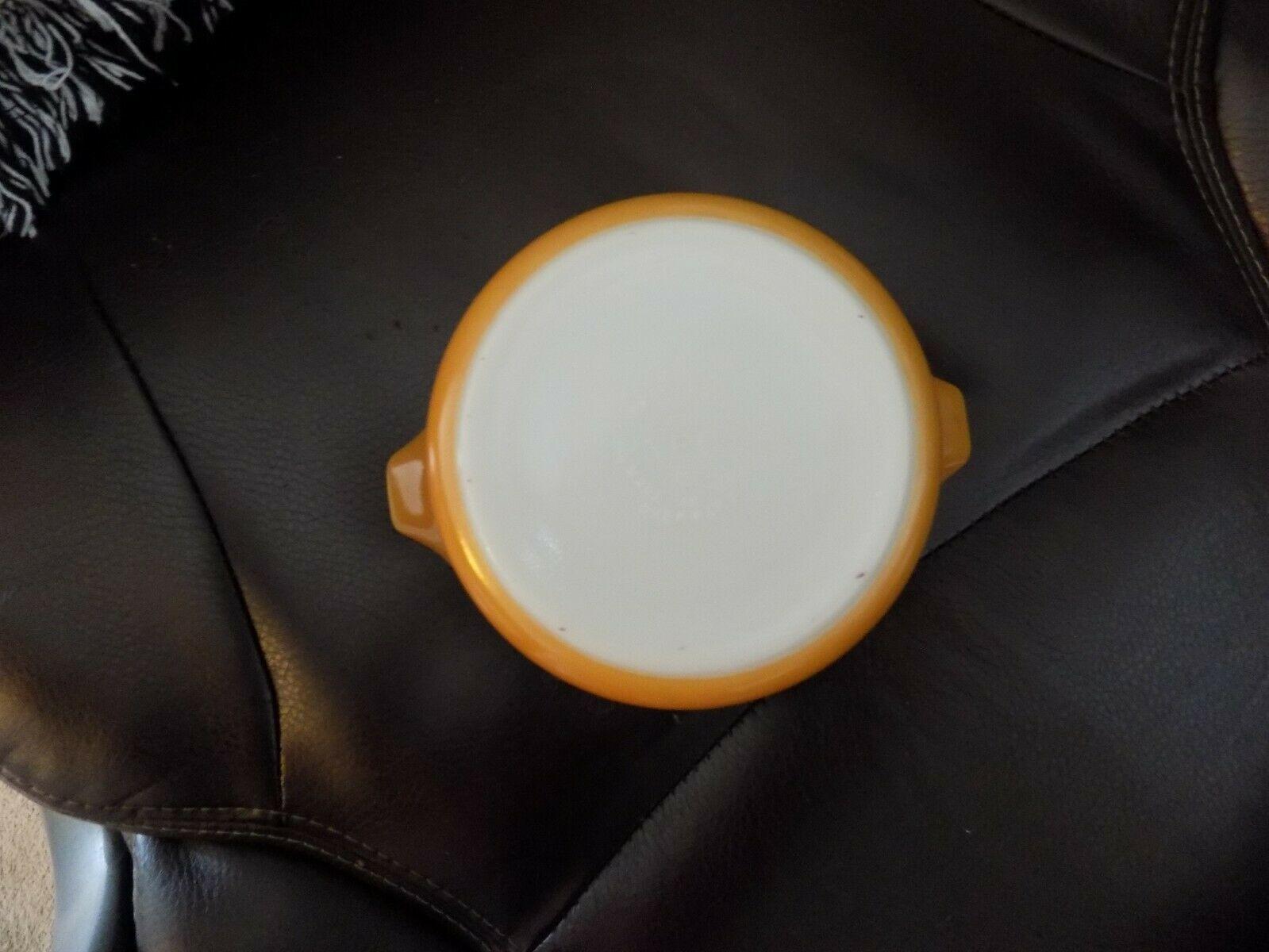 VINTAGE PYREX BUTTERSCOTCH CASSEROLE DISH #472 1-1/2 PT EUC