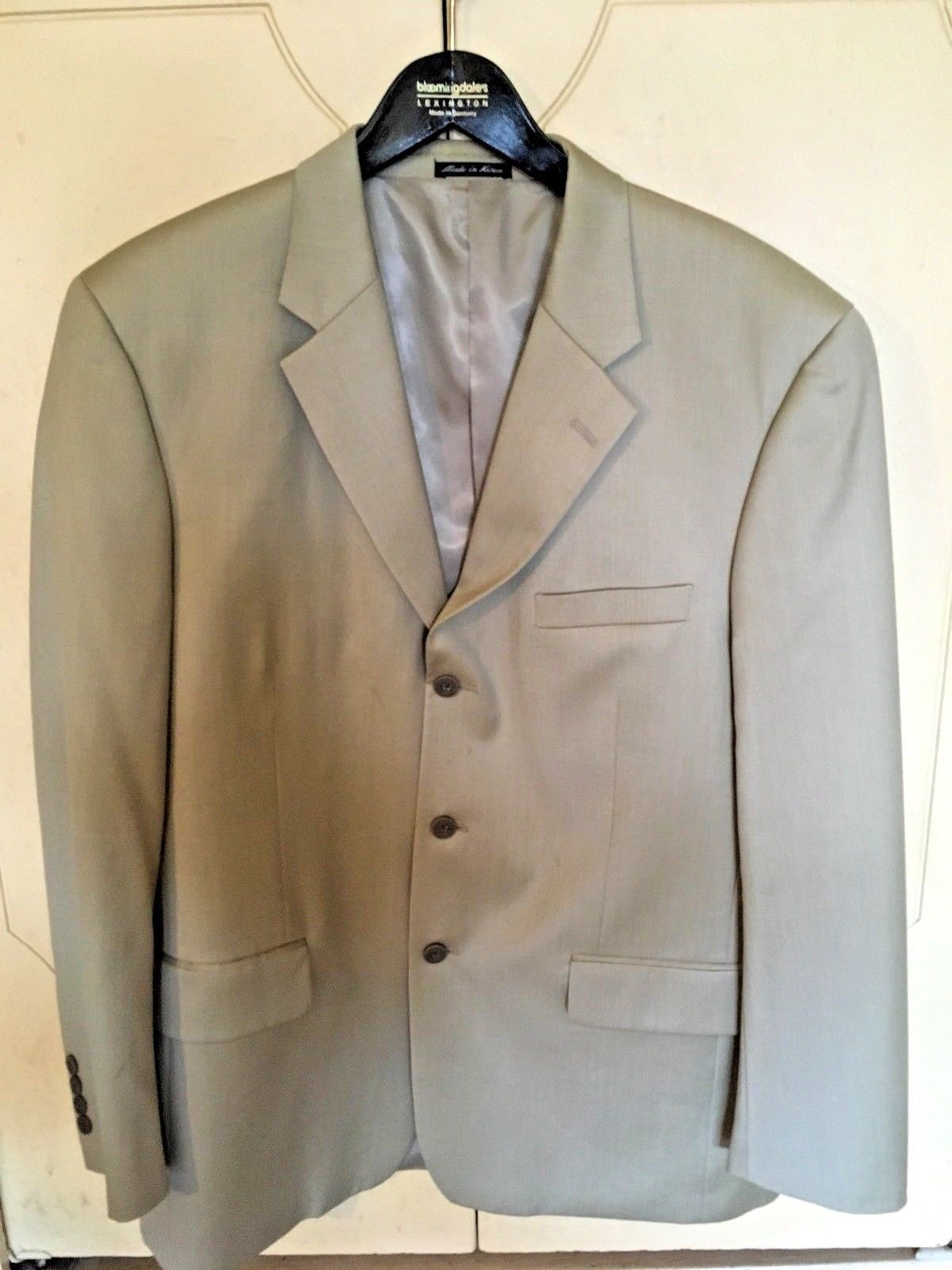 Primary image for Men's Alfani (Macys Mens Store)100% Wool Tan/Khaki Three Button Sportcoat (42R)