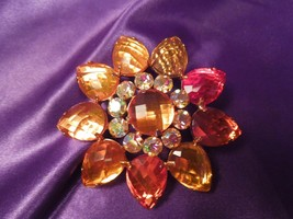 Joan Rivers Vintage Faceted Rhinestone Gold Tone Brooch Pin - $34.65
