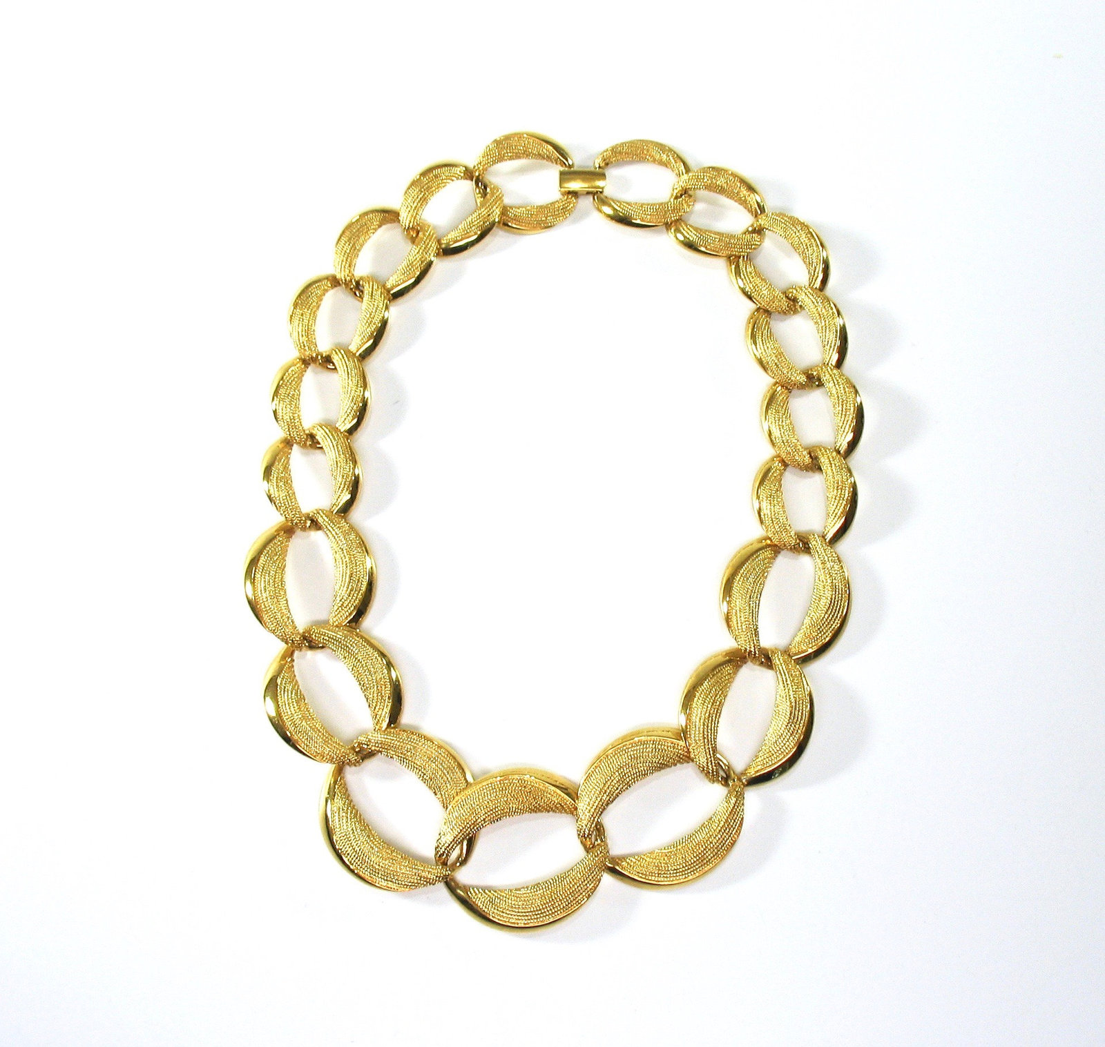 NAPIER Large Chain Necklace, Pat. 4 774 743, Heavy Links, Textured Gold Tone, 19