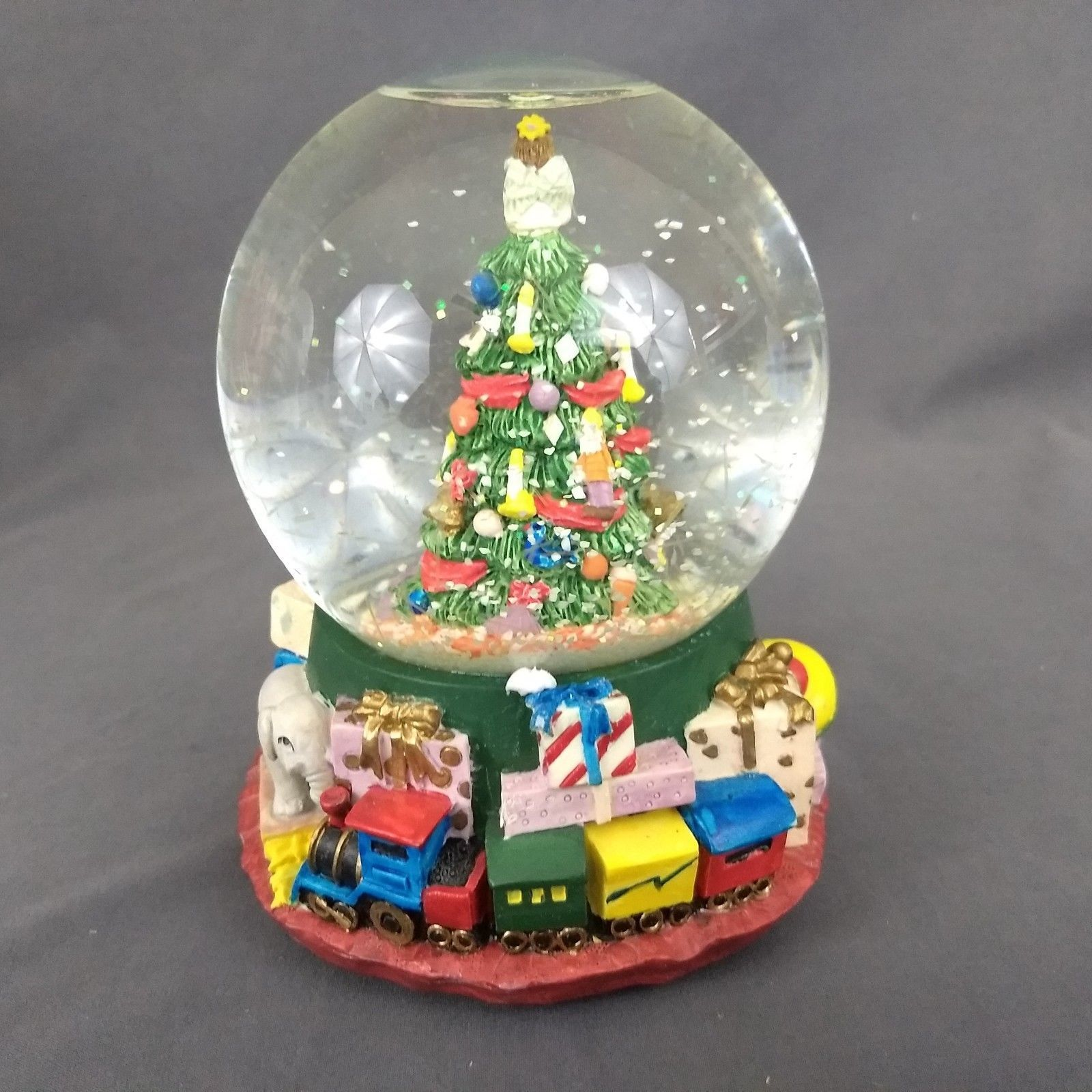 The San Francisco Music Box Company Snow Globe O Chirstmas Tree with Box 1994