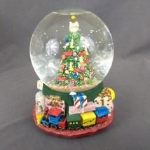 The San Francisco Music Box Company Snow Globe O Chirstmas Tree with Box... - $38.65