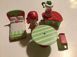STRAWBERRY SHORTCAKE DOLL TOY With ACCESSORIES HASBRO 2008 Bed Blender T... - $19.79