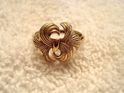 Avon Textured RIBBON BOW RING approx size 10 EUC VTG Gold Tone Figural  image 2