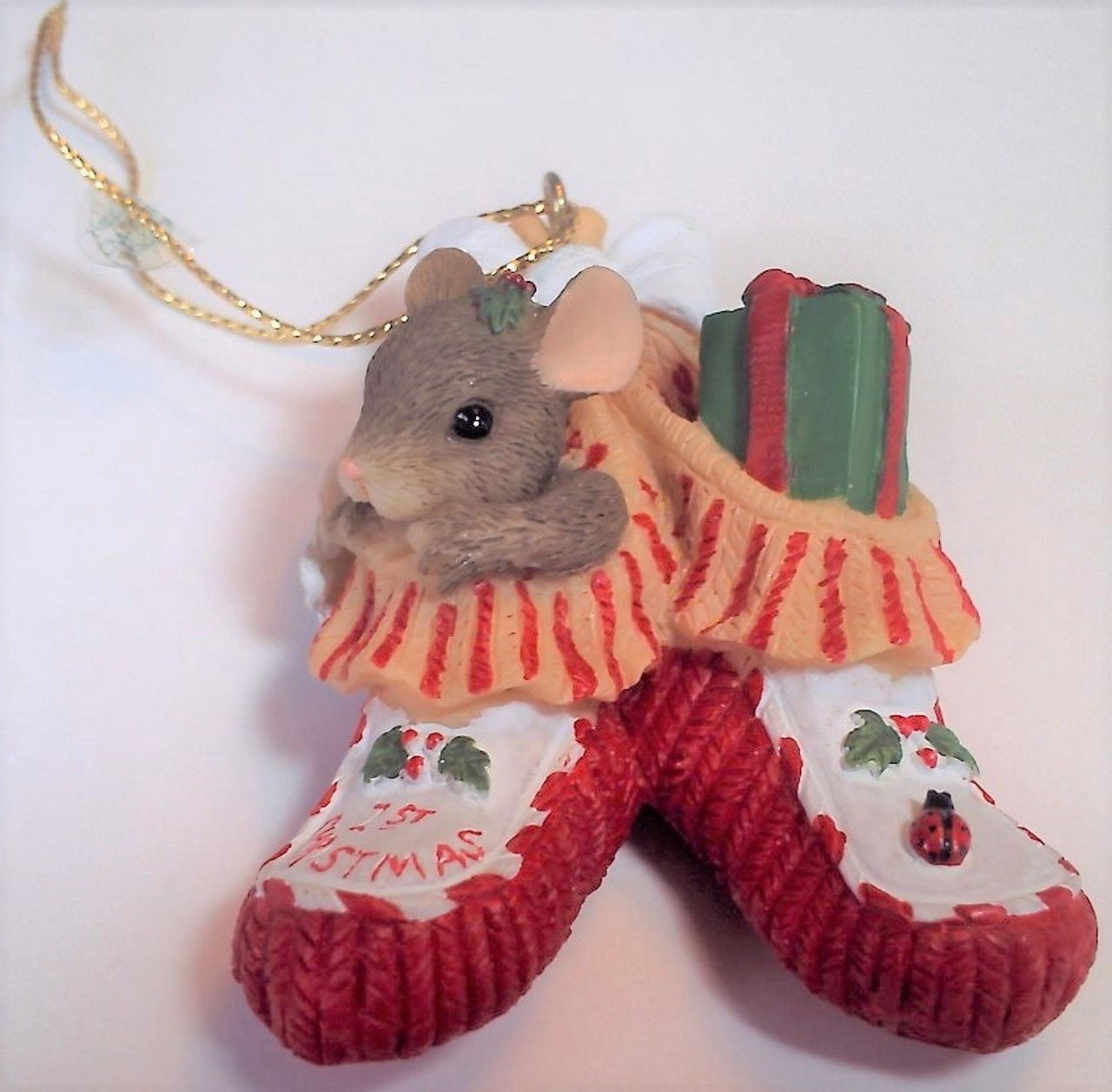 Charming Tails Bootie Baby Ornament 86/101