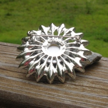 Vintage sarah cov coventry green and white rhinestone flower brooch2 thumb200