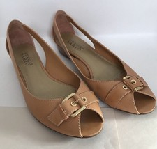 Franco Sarto Tan Gold Accent Shoes Low Heels L-Tap Size 9-1/2 M - $9.49