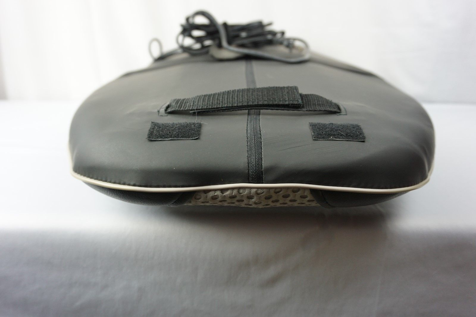 Homedics Shiatsu & Rolling Massaging Cushion Dual Massage Mechanism SBM-300PA