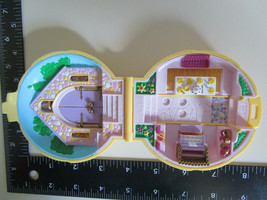 Polly Pocket Bluebird '89 Nancys Wedding Day Yellow Round Shell Compact, No Doll - $9.89