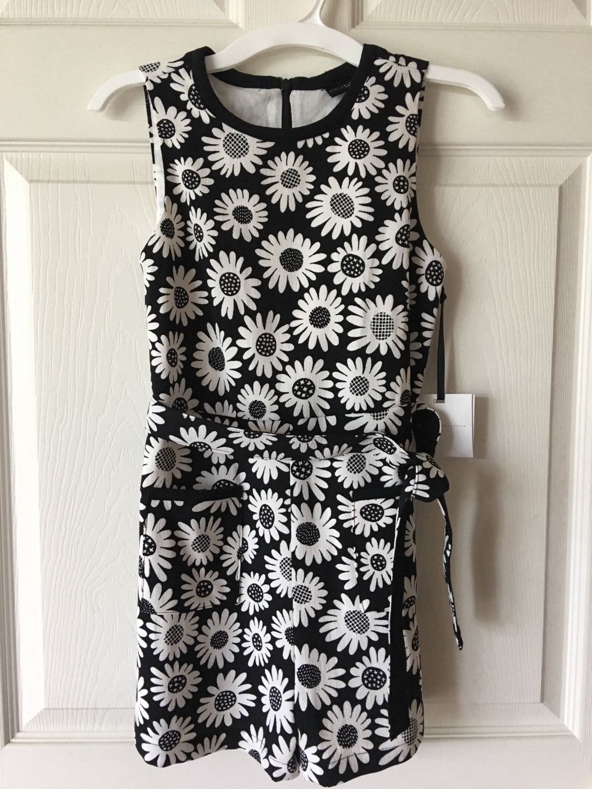 99b4e816bba S l1600. S l1600. Previous. Victoria Beckham for Target Girls Black Mini  Daisy Tie Waist Romper Size M