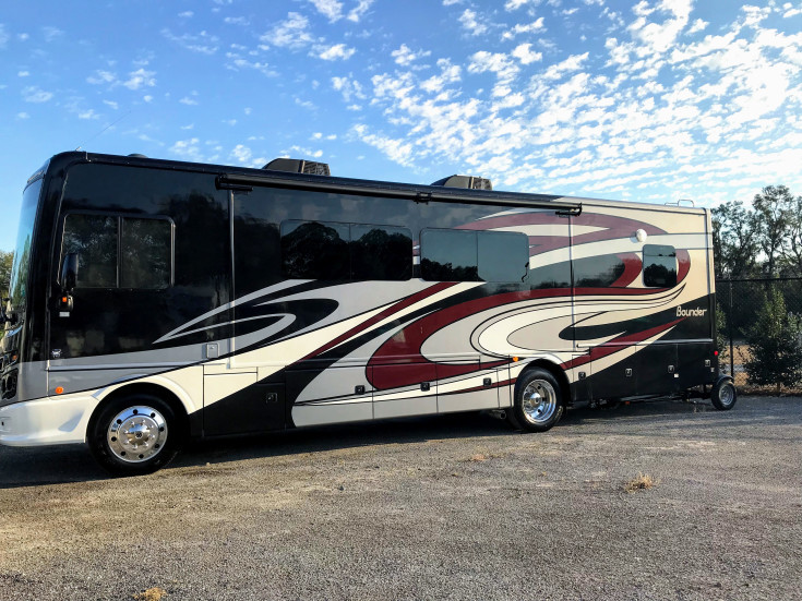 Primary image for 2018 Fleetwood Bounder 33C FOR SALE IN Ocala, FL 34481