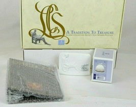"""Lladro 1985 """"A Tradition To Treasure"""" Collectors Society Package Porcelain Bell - $28.50"""