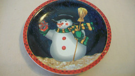SNOW MAN DECORATIVE CHRISTMAS PLATE FROM STUDIO 33 - $18.56