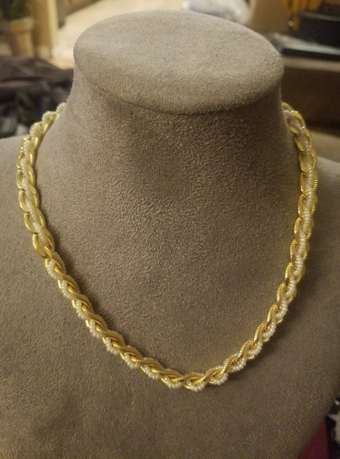 Vintage Trifari Signed beaded gold tone necklace