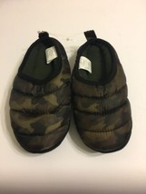 Old Navy Boys Slipper Shoes Size XL 3-4 Camo - $13.98