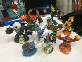 Lot Of 10 Skylanders Giants Action Figures -MINT Condition - Fast Shipping! - $35.63