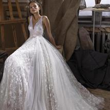 Sparkling Lace Embroidered Shining Star Princess A-line Tulle Luxury Wedding Gow
