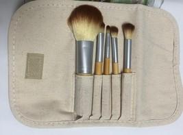 Cala Naturale Bamboo Make Up Brush Set 5 PC Pouch Travel Set image 5