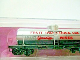 Micro-Trains # 06500116 Fruit Industries Grape to Glass 39' Single Tank Car (N) image 2