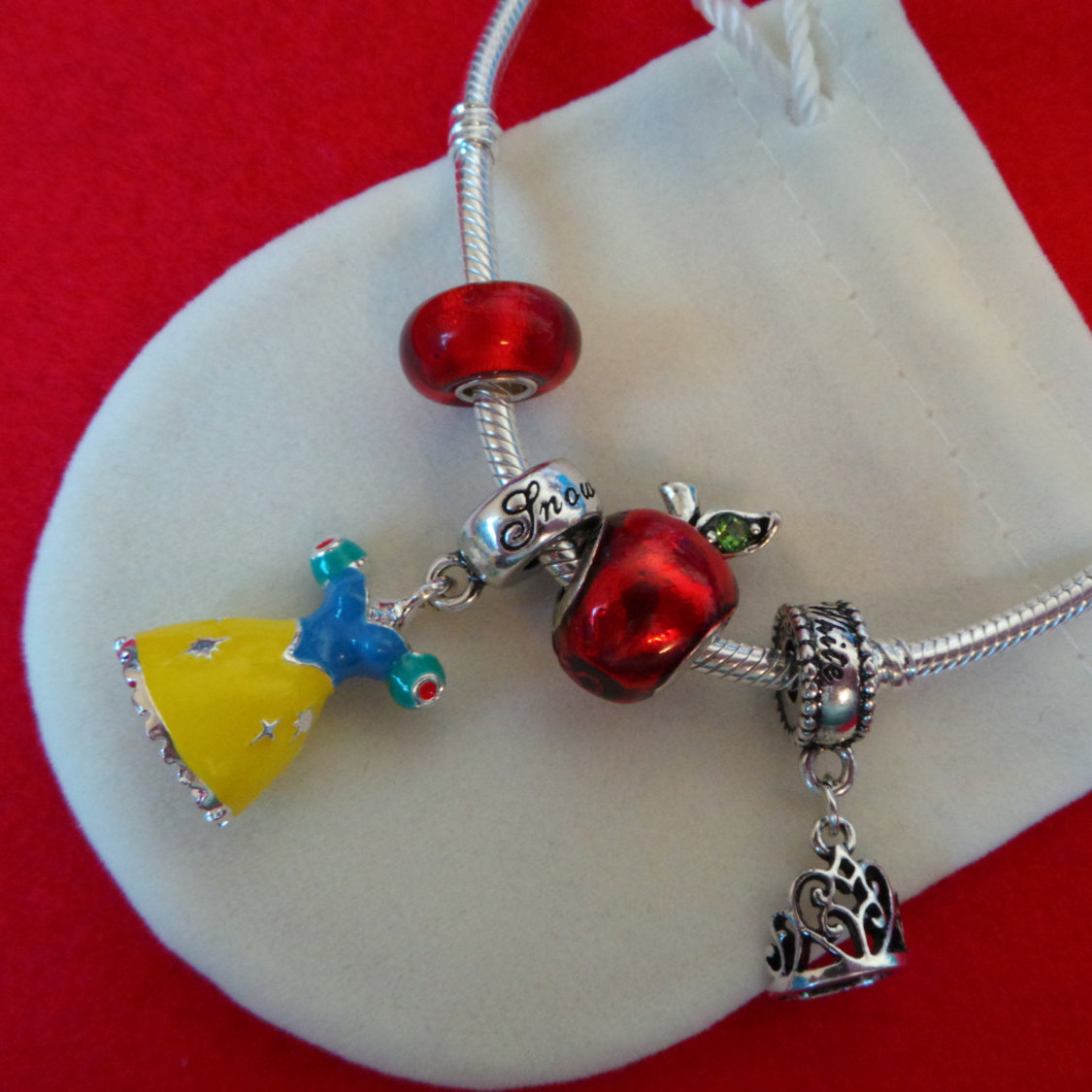 NEW Disney Princess Theme Charm - Snow White's Dress Enamel & silver plate + BAG