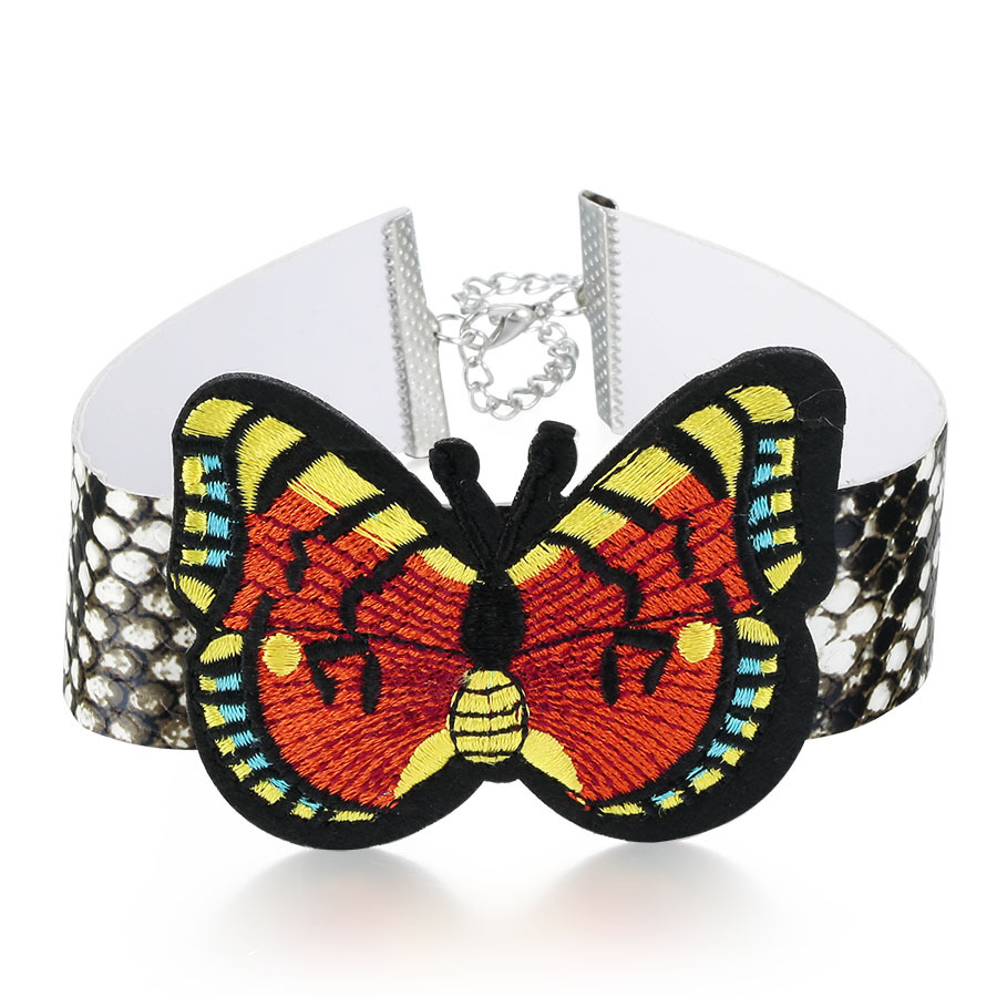 Embroidery Flower Collar Choker Necklace (4), Fashion Round Charm Pendant RM